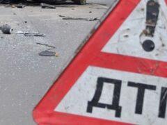 В Брянске иномарка сбила на тротуаре двух пешеходов