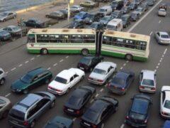 В Петербурге зафиксировали рекордную пробку в 12 километров