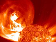 Солнце может разрушить Землю своими супервспышками — ученые