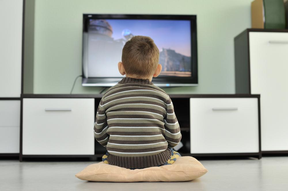 Из-за частого просмотра телевизора происходят нарушения ворганизме человека
