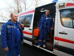 Водителю BMW сломали нос за отказ пропустить скорую помощь в Москве