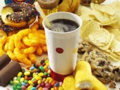 Аппетит человека зависит от размеров стола, выяснили ученые