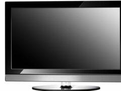 В Колпино двухлетнюю девочку едва не убило упавшим телевизором