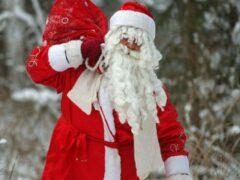 В Шымкенте избили Дедов Морозов