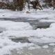 В Хакасии под лед провалился автомобиль с рыбаками