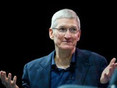 Глава Apple Тим Кук заработал 10,3 млн долларов в 2015 году