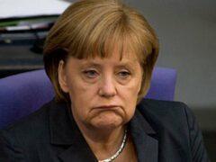Тысячи людей на улицах Лейпцига потребовали отставки Меркель
