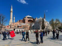 Гид спасла часть немецких туристов во время теракта в Стамбуле