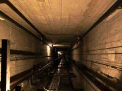 В Кемерове 24-летний монтажник упал в шахту лифта