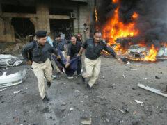 Пять человек погибли при взрыве у КПП на северо-западе Пакистана
