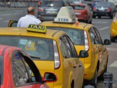 В Москве таксист насмерть замерз в автомобиле