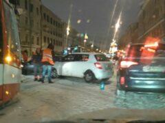 В Петербурге к середине дня из-за сильного снегопада произошло 154 ДТП