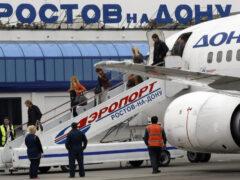 В Ростове из-за снегопада закрыли аэропорт
