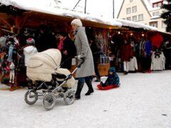 В Эстонии детям неграждан начнут давать гражданство с момента рождения