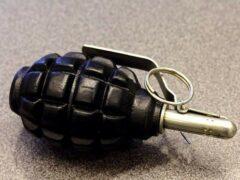 В Гродненском районе мужчина нашел гранату во время купания в озере