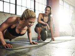 Учёные советуют женщинам есть до тренировки, а мужчинам после
