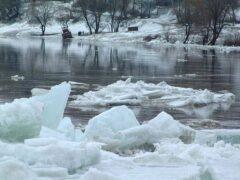 УАЗ вылетел с дороги в реку в Островецком районе