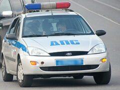 Полицейские загнали трактор в поле и прострелили ему колеса