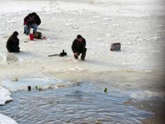 Рыбак утонул, провалившись под лед на озере в Полоцком районе