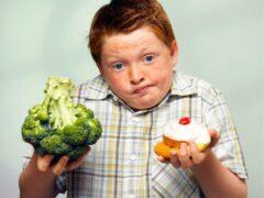 Ученые пополнили список самой вредной еды для детей