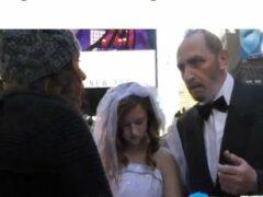 Видеоблогер «поженил» старика на 12-летней ради соцэксперимента
