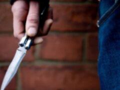 В Ростове мужчину несколько раз ударил ножом прохожий