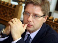Мэра Риги пытались отучить говорить по-русски