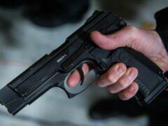 В Кисловодске полицейский случайно прострелил ногу коллеге