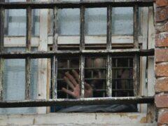 В московскую тюрьму пытались забросить пакет с 62 телефонами