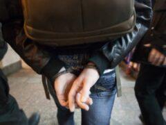 В Тихвине двое парней избили подростка ради сотового телефона