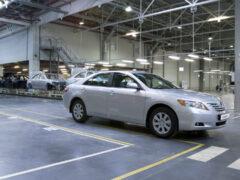 Концерн Toyota остановил выпуск машин из-за нехватки стали
