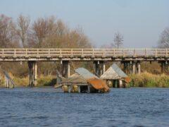 Деревянный мост на Немане смыло потоками воды и льда
