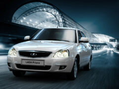 АвтоВАЗ объявил цены на бюджетную версию Lada Priora