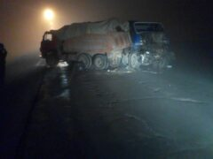 В ДТП с тремя грузовиками на МКАД погиб один человек