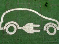 В Японии создали электромобиль, получающий энергию от дороги