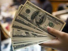 Ученые: наличие денег влияет на развитие отношений
