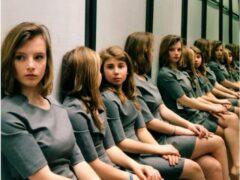 Фото девушек, которых невозможно сосчитать, озадачило Интернет
