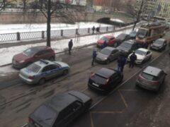 В Петербурге бизнесмен устроил погоню за ограбившими его преступниками