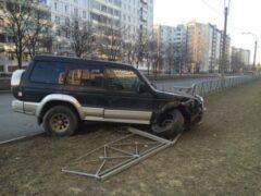Петербуржец сбил семью с детьми и дважды сбежал с места ДТП