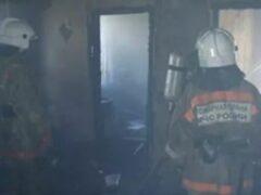 В Петербурге мать обвинили в гибели двух маленьких детей при пожаре