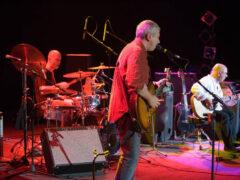 Музыкантов группы «Воскресение» закидали яйцами на концерте в Крыму