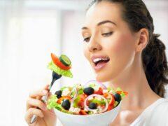 Ученые: Время приема пищи влияет на похудение