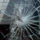 В Любани хулиган головой разбил стекло автомобиля «Форд»