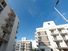 Первые жители получили ключи от квартир в жилом комплексе Аристово-Митино