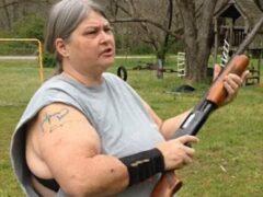 В США женщина расстреляла из ружья iPhone своих детей