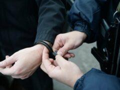 В Приморье собутыльники украли у приютившего их мужчины паспорт и гаджеты
