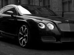В Москве неизвестные похитили Bentley, затолкав водителя в багажник