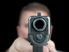 В Петербурге посетитель бара расстрелял из травматики троих человек