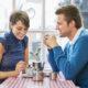 Ученые рассказали, каких партнеров ищут богатые мужчины и женщины