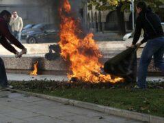 В Ярославле женщина облила себя бензином в здании облправительства
